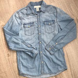 NWOT H&M western style denim shirt